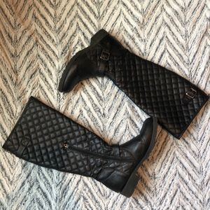 CHARLOTTE RUSSE Black Quilted Boots